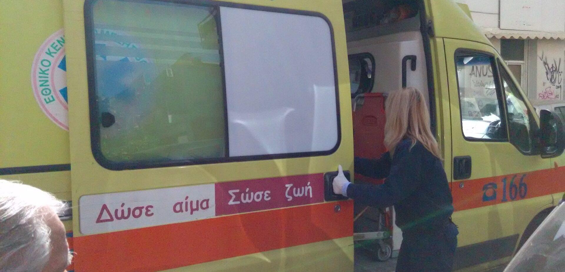 Σοβαρό ατύχημα 27χρονου ενώ ξεφόρτωνε καυσόξυλα στη Νεάπολη